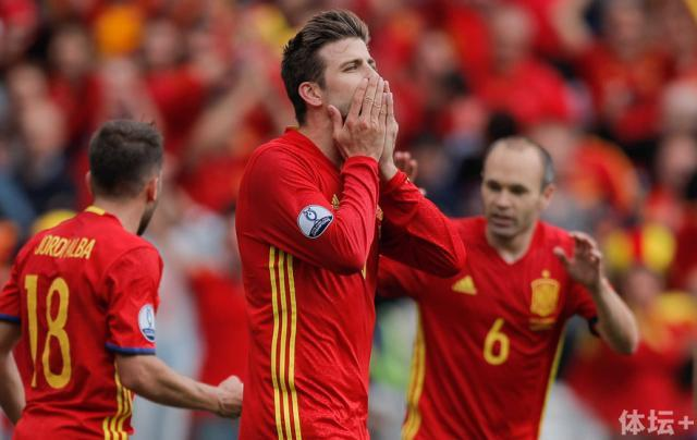 Spain-Italy-turn-on-the-style.jpg