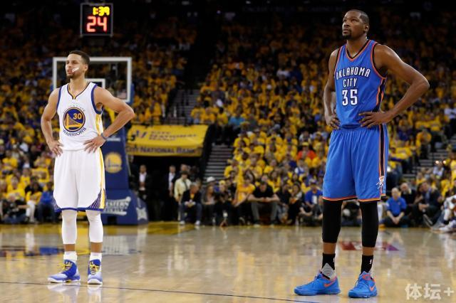 Durant-Curry-Christian-Petersen-Getty-Images.jpg