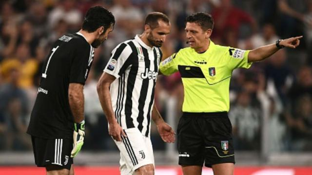 chiellini-injured-cropped_9ltit32v7phh12rn64yew7y82.jpg