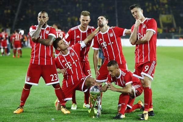 Robert+Lewandowski+Borussia+Dortmund+v+Bayern+fJTasDH3oJjl.jpg