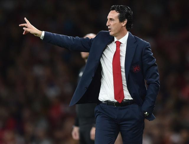 4436002-6190539-Arsenal_manager_Unai_Emery_dictates_instructions_from_the_techni-a-18_1537478833341.jpg