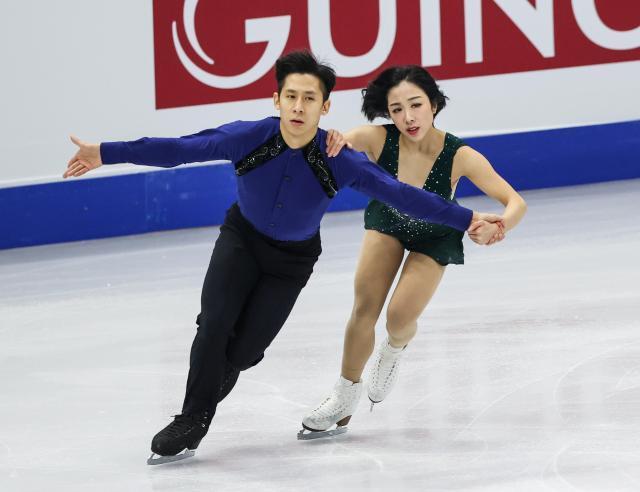 中国双人滑四大洲赛揽冠亚隋韩用冠军为武汉加油