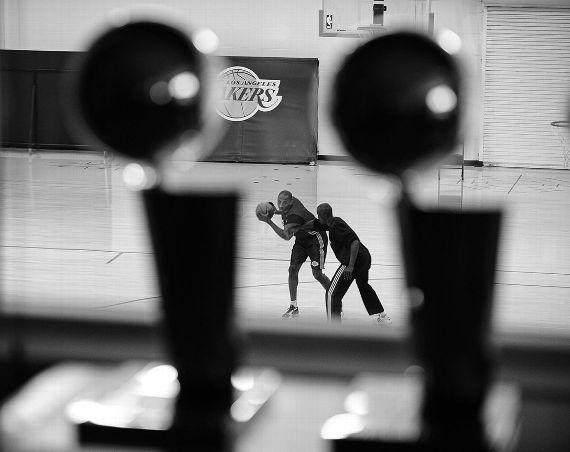 【经典】湖人御用摄影师15张照片记录科比职业生涯