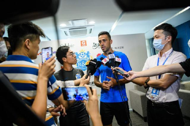 扎哈维:赛程缩减也想破进球纪录范帅带来新理念