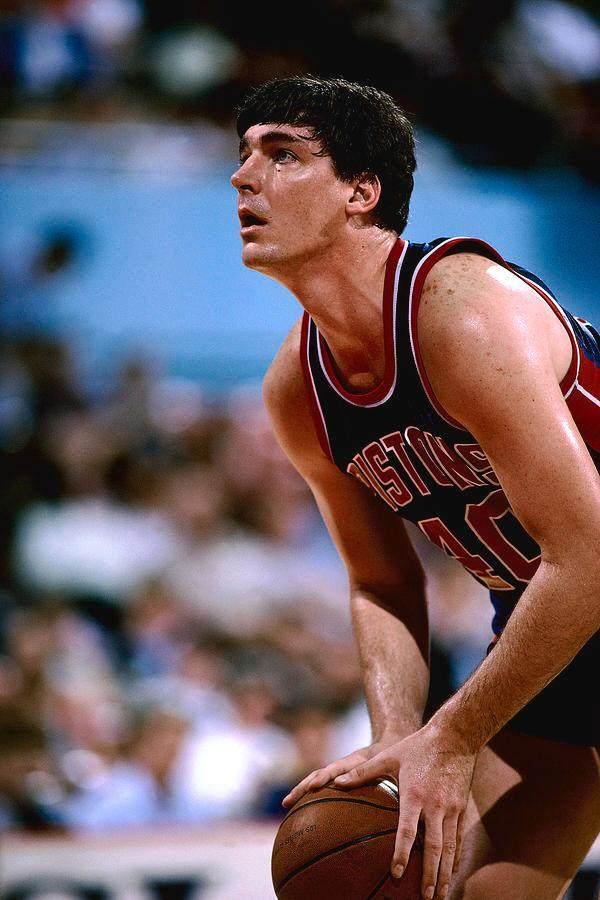 【篮球冷知识】NBA罚球最准的中锋是姚明师父