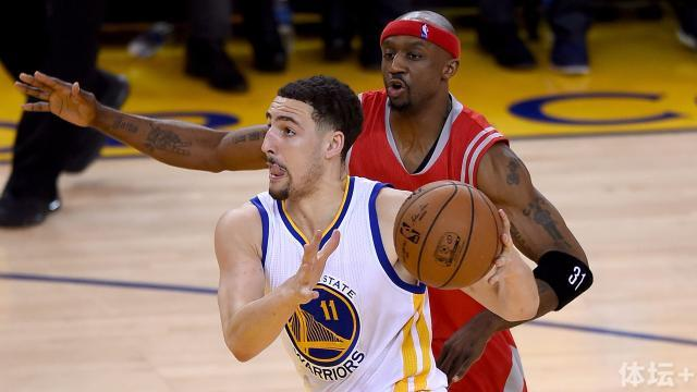 klay-thompson-corey-brewer-ftr-getty-052015_1rnbxoetx2wj01eefqks0n3a5z.jpg