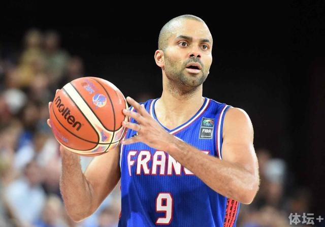 2048x1536-fit_france-s-tony-parker-looks-on-during-the-group-a-qualification-basketball-match-between-france-and.jpg