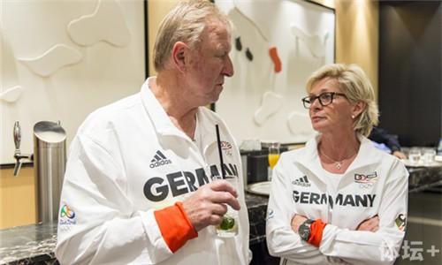 Germany+Women+National+Team+Dinner+Olympic+BwFCl25TSr6l_副本.jpg