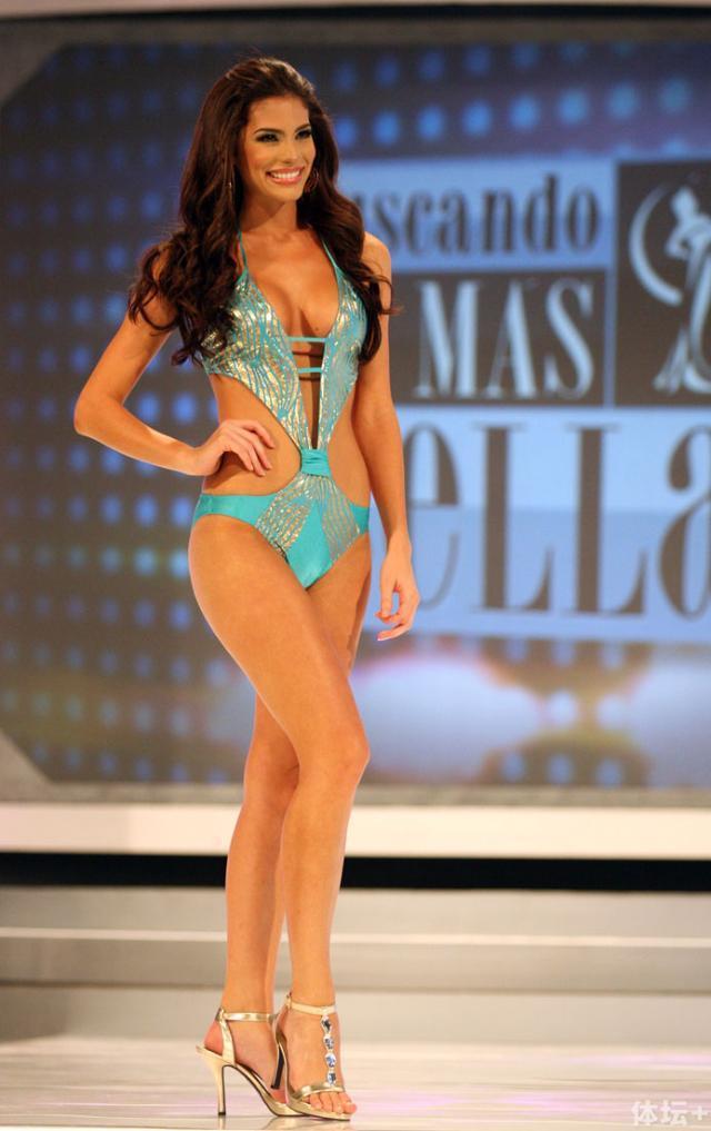 Viviana-Ortiz-Feet-970564.jpg