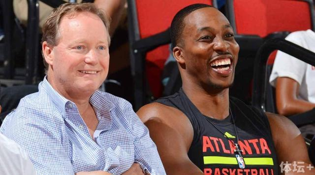 atlanta-hawks-dwight-howard-mike-budenholzer.jpg