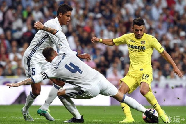 Villarreals-Italian-forward-Nicola-Sans_副本.jpg