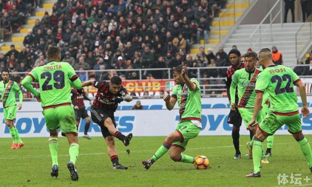 lapadula.milan.tiro.gol.crotone.2017.750x450.jpg
