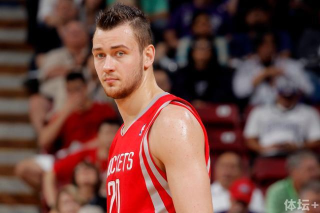 hi-res-165691583-donatas-motiejunas-of-the-houston-rockets-of-the_crop_650.jpg