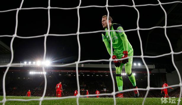 Liverpools-Loris-Karius-looks-dejected-after-conceding-their-second-goal.jpg