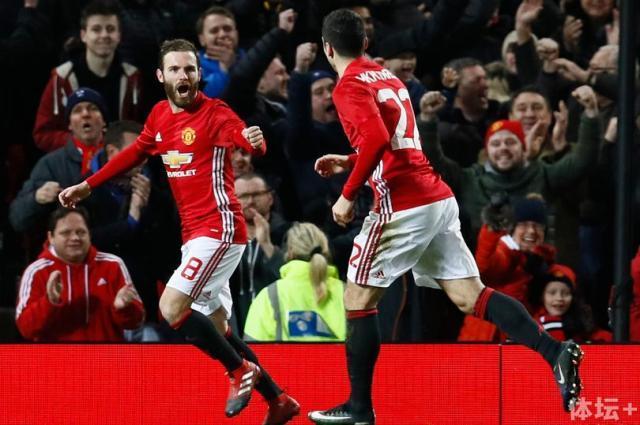 Manchester-Uniteds-Juan-Mata-celebrates-scoring-their-first-goal-with-Henrikh-Mkhitaryan.jpg
