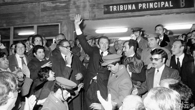 1969 montal当选巴萨主席 .jpg