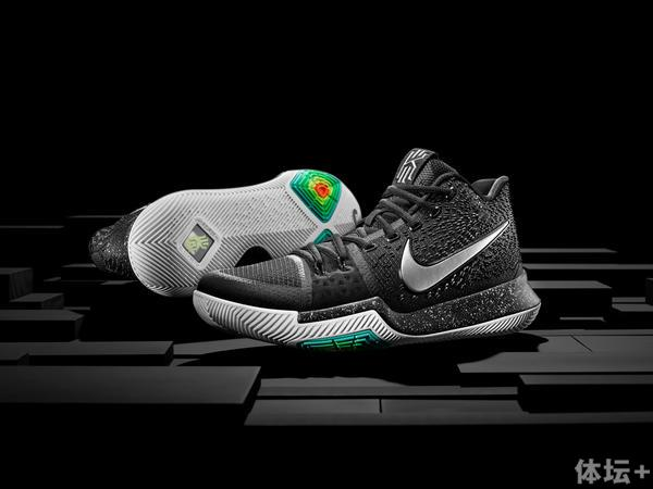 16-400_Nike_Kyrie_Hero_Pair-01_native_600.jpg