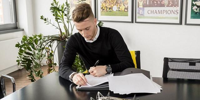 4A0AB2D400000578-5483273-Marco_Reus_has_signed_a_new_contract_at_Borussia_Dortmund_until_-a-5_1520625222828.jpg
