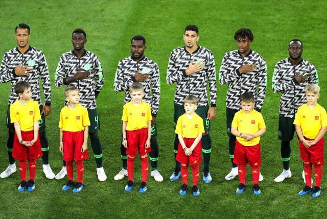 尼日利亚的训练外套也非常风骚.jpg