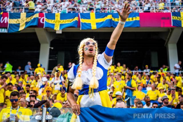 瑞典球迷3.png