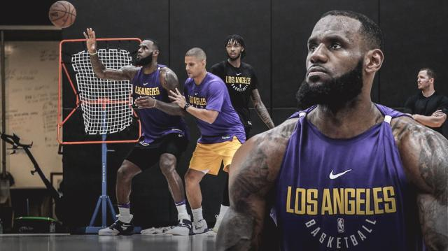 LeBron-James-is-putting-in-work-_in-his-new-lab_.jpg