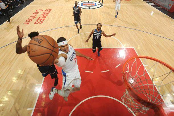 tobias-harris-of-the-clippers-shoots-the-ball-against-the-minnesota-picture-id1057959662.jpg