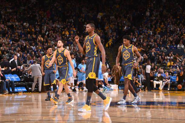 kevin-durant-of-the-golden-state-warriors-reacts-to-a-play-during-the-picture-id1065020404.jpg