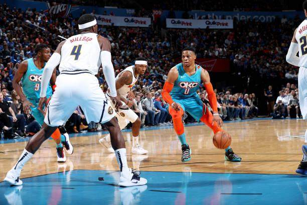 russell-westbrook-of-the-oklahoma-city-thunder-drives-to-the-basket-picture-id1064978506.jpg