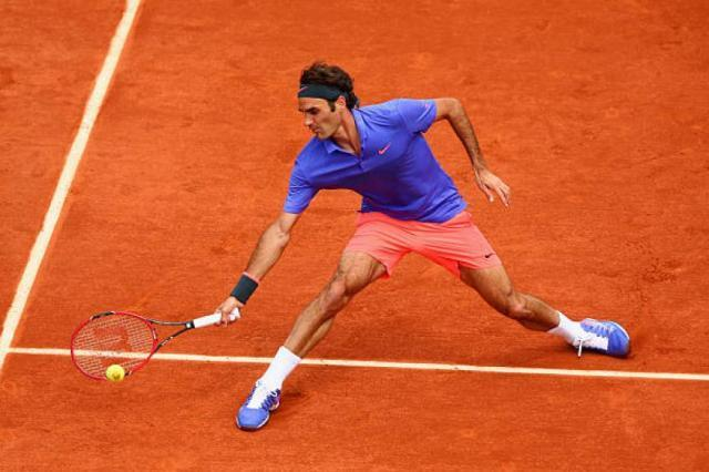 roger-federer-flies-on-court-but-playing-on-clay-is-tiring-nicolas-mahut.jpg