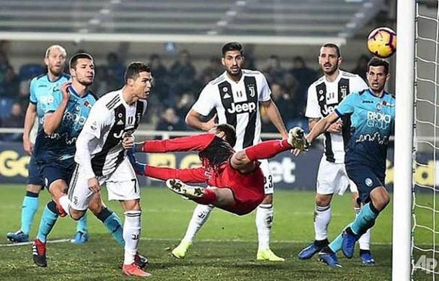 ronaldo-rescues-point-for-10-man-juventus-at-atalanta.jpg