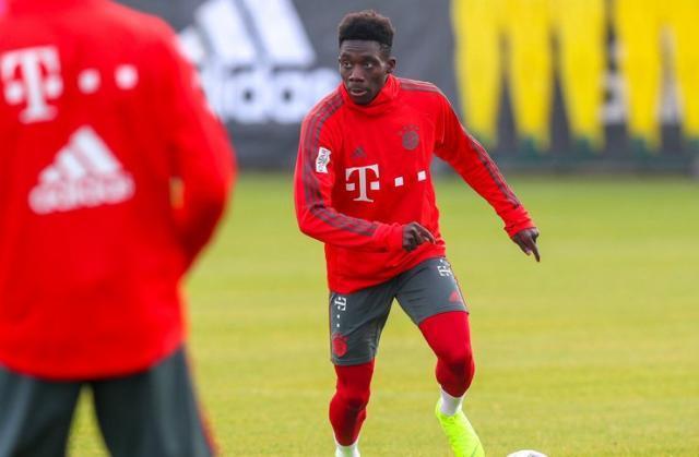 Alphonso-Davies-Bayern-Munich-Niko-Kovac-@FCBayernUS.jpg