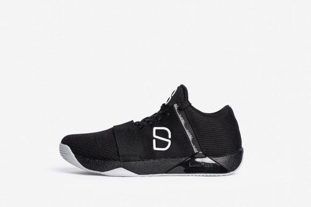 https___blogs-images.forbes.com_timnewcomb_files_2019_04_2018-12-5-Clark-Adams-Spencer-Dinwiddie-Shoes-Black-2-1200x800.jpg