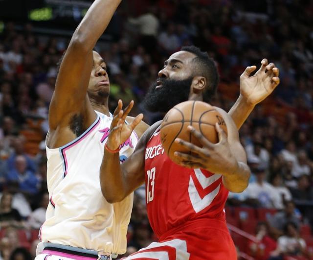 rockets_heat_basketball_248.jpg