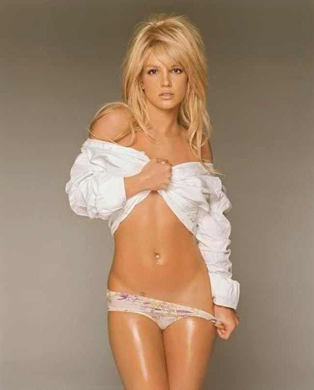 britney-spears-in-2003-age-22-in-white-shirt-and-nude-underwear-photo-u1.jpg