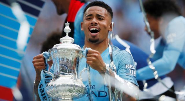 Manchester-City-attacker-Gabriel-Jesus-celebrates-with-the-FA-Cup-e1558206730519.jpg