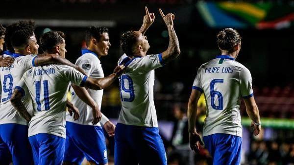 everton-comemora-seu-gol-no-jogo-brasil-x-bolivia-pela-copa-america-1560566661114_v2_600x337.jpg