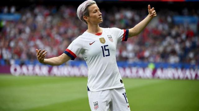 megan-rapinoe-comemora-seu-gol-em-jogo-de-franca-x-estados-unidos-pela-copa-do-mundo-feminina-1561749601246_v2_900x506.jpg