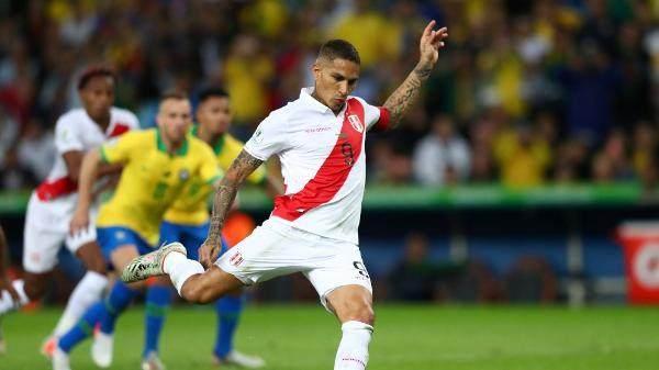 paolo-guerrero-bate-penalti-na-final-da-copa-america-entre-brasil-e-peru-1562533080232_v2_600x337.jpg