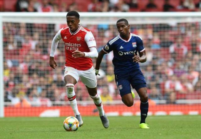 joe-willock-of-arsenal-during-the-match-between-arsenal-and-olympique-picture-id1164740695.jpg