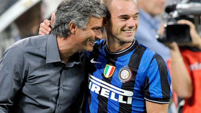 Mourinho-Wesley-Sneijder-Inter-2009_2954511.jpg