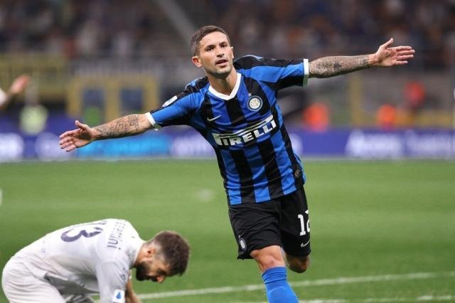 Stefano-Sensi-calcio-inter-Fabrizio-Andrea-Bertani-Shutterstock.com_-od8lfen4jcgxszaamdc3ir7chictsbdg5zm10n46bk.jpg