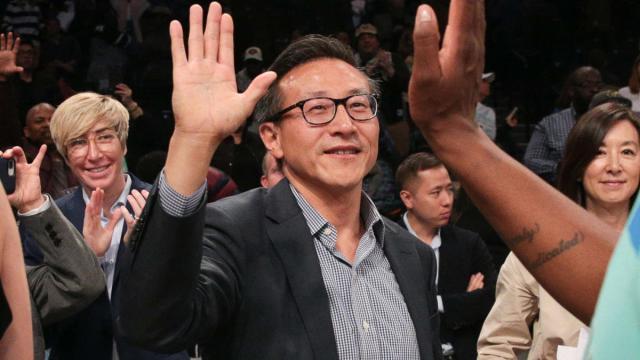 20190816-737億破紀錄買下籃網 蔡崇信成NBA首位台灣老闆-CBS-sport.jpg