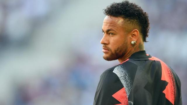 neymar-aquece-antes-de-jogo-do-paris-saint-germain-contra-o-bordeaux-1569847885668_v2_900x506.jpg