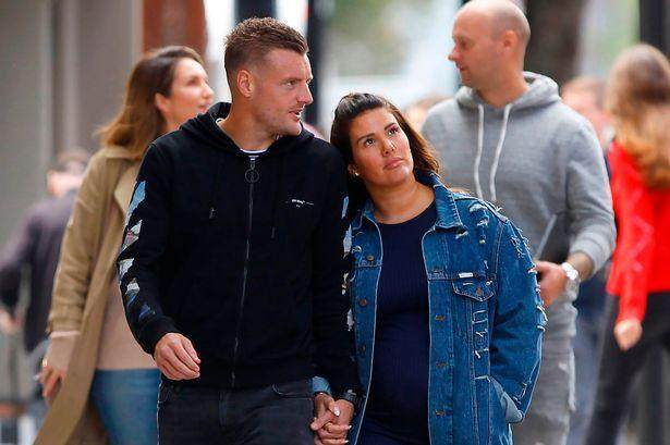 0_PAY-PROD-Pregnant-Rebekah-Vardy-And-Her-Husband-Jamie-Vardy-Arriving-At-St-Pancras-London.jpg