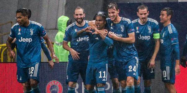 In-letzter-Sekunde-Douglas-Costa-schiesst-Juventus-ins-Achtelfinale_block_articles_4_large.jpg