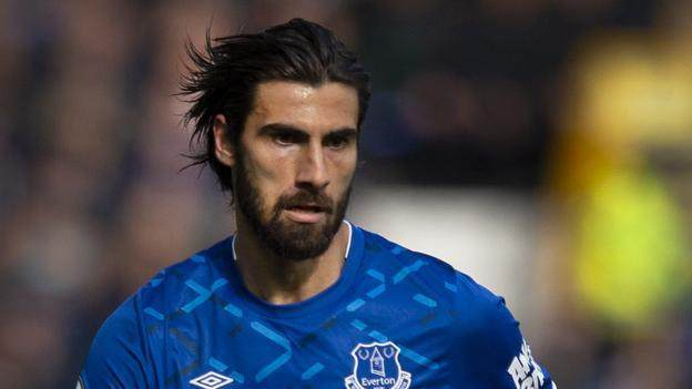 andre-gomes-everton-midfielder-thanks-fans-for-support-after-injury.jpg