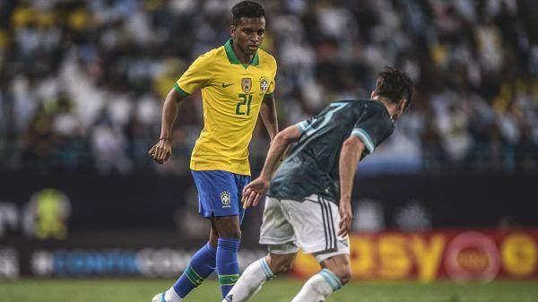 rodrygo-defendeu-a-selecao-brasileira-contra-a-argentian-1574969787169_v2_600x337.jpg