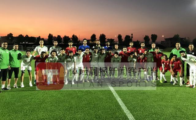 伊朗国奥队在25日进行内部教学赛,白队2比1取胜红队.jpg