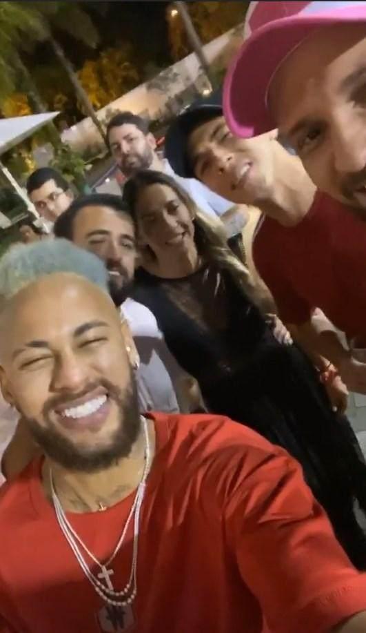 Galeria-Natal-Jogadores-Neymar.jpg