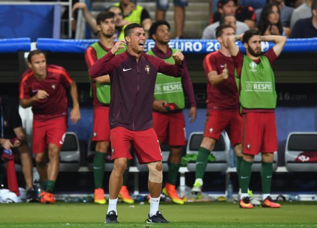 Portugal+v+France+Final+UEFA+Euro+2016+DAlG65anFMdx.jpg